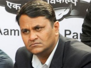 rift-in-aap-national-parties-wooing-vinod-binny-for-lok-sabha-ticket