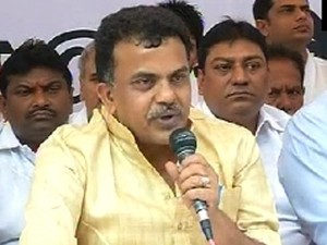 sanjay nirupam  fast