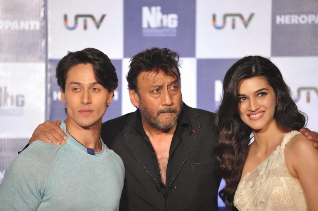 Aamir-Khan-Launch-First-Look-Of-Heropanti-Movie-90