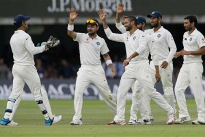 shami_dhoni_wicket