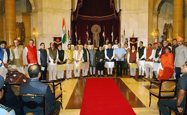 PM_Modi_with_new_ministers_RB_650