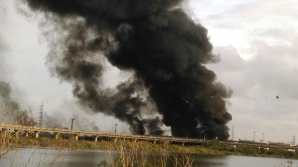 oil depo fire 1
