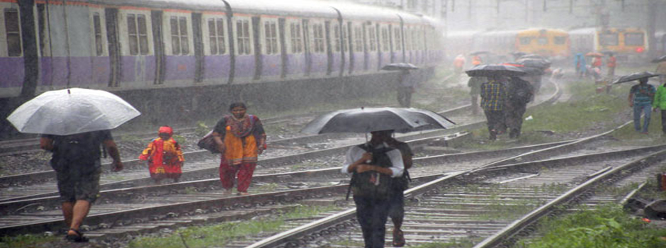 mumbai_local_rain