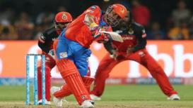 गुजरात लायन्सचा विराटच्या टीमवर 'राॅयल' विजय