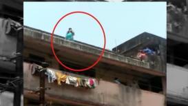 नवऱ्याच्या कटकटीला वैतागून पत्नीचं 'शोले स्टाईल' आंदोलन