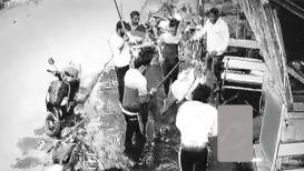 धुळ्यात गुंडाच्या हत्येनंतर समर्थकांकडून जाळपोळ, एसटीवर दगडफेक