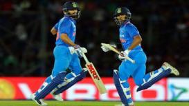 श्रीलंकेविरुद्धच्या पहिल्या वनडेत भारताचा 'विराट' विजय