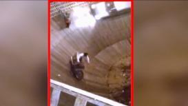 कल्याणमध्ये 'मौत का कुआ'चा 'खराखुरा' थरार ! अपघातादरम्यान 'स्टंट गर्ल' गंभीर जखमी