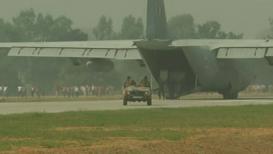 आग्रा एक्सप्रेस वेवर उतरली वायुदलाची विमानं