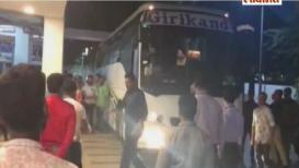 केदार जाधवच्या घरी टीम इंडियाचं आगमन, व्हिडिओ व्हायरल